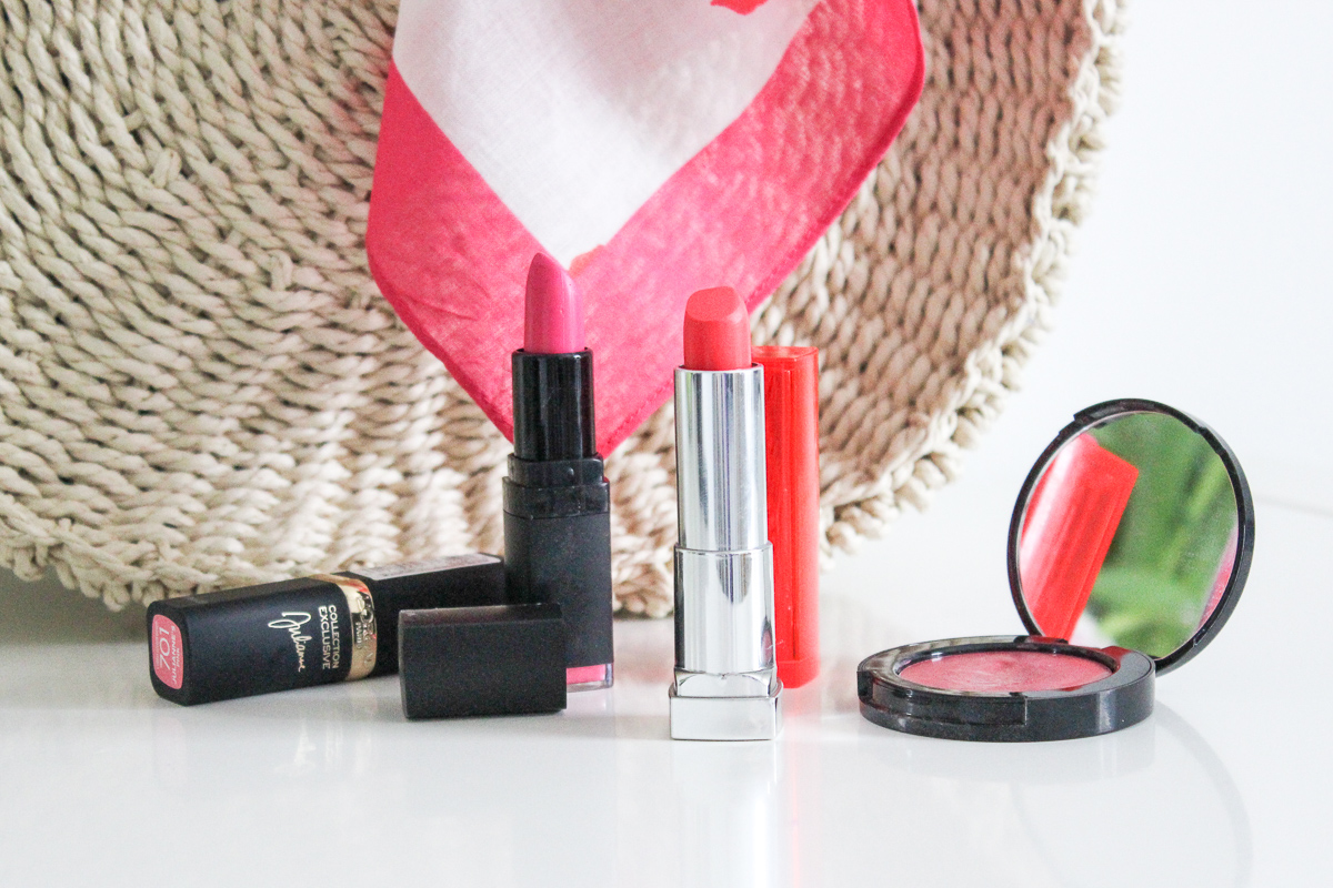 THE BEST BRIGHT SUMMER LIPSTICKS