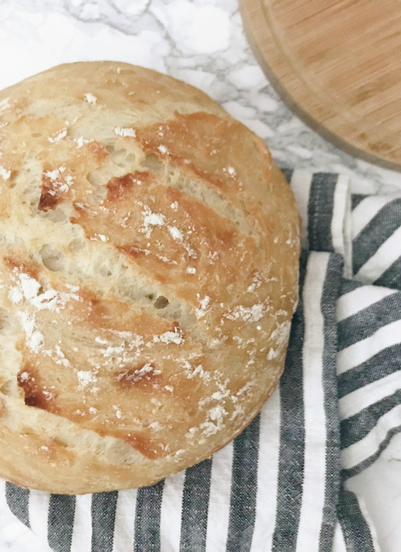 THE BEST CRUSTY BREAD RECIPE | THE EASIEST CRUSTY BREAD RECIPE | THE EASIEST NO KNEAD CRUSTY BREAD RECIPE | THE EASIEST BREAD EVER | THE BEST EVER CRUSTY BREAD RECIPE | SIMPLE CRUSTY BREAD RECIPE