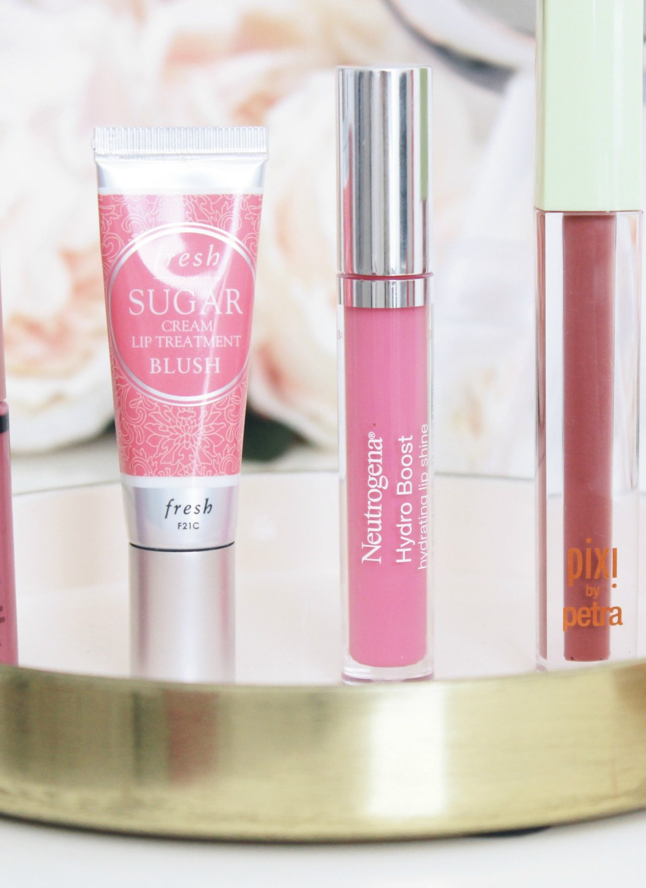 PERFECT NEUTRAL LIPGLOSS | NEUTRAL LIP GLOSS | THE BEST NEUTRAL LIPGLOSS | THE BEST LIPGLOSS FOR VALENTINES DAY | THE BEST PINK LIPGLOSS | KISSABLE LIP GLOSS | #valentinesday #valentines