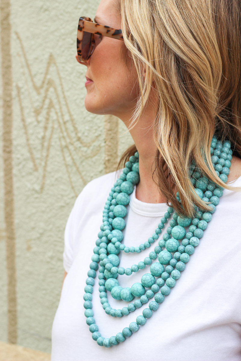 A STATMENT NECKLACE | STATEMENT NECKLACE | SPRING OUTFIT IDEAS | MOM OUTFIT IDEAS | MODEST OUTFIT IDEAS | SPING OUTFIT | SPRING FASHION | MOM UNIFORM