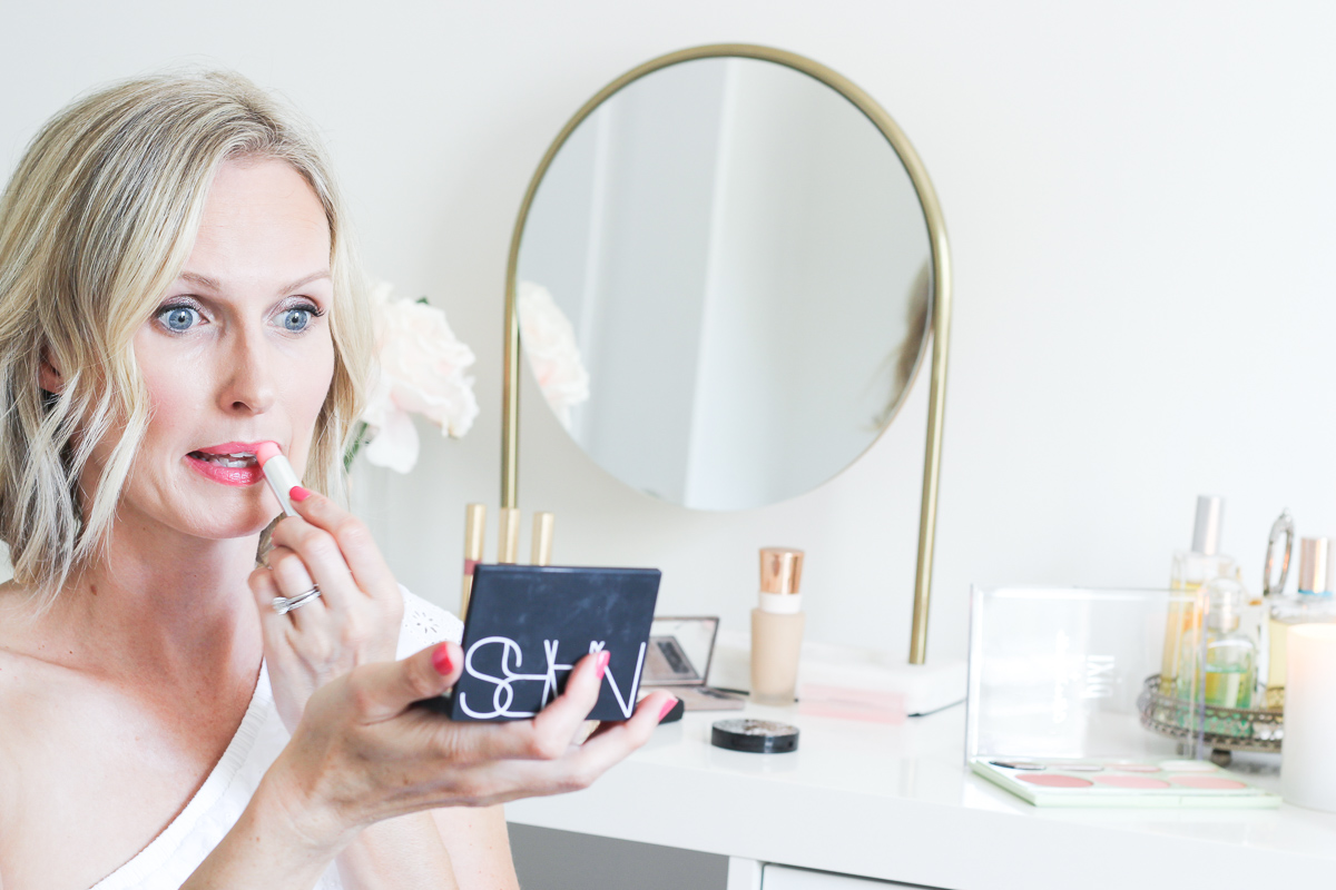The top 10 makeup essentials every woman should own