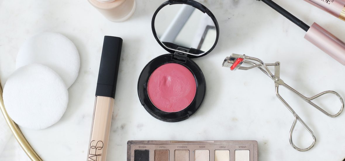HOW TO APPLY BLUSH   60 SECOND BEAUTY