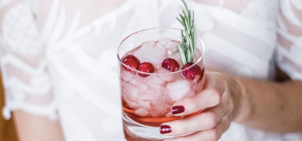 EASY HOLIDAY BOURBON COCKTAIL