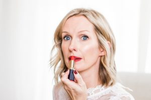 HOW TO MASTER THE HOLIDAY RED LIP