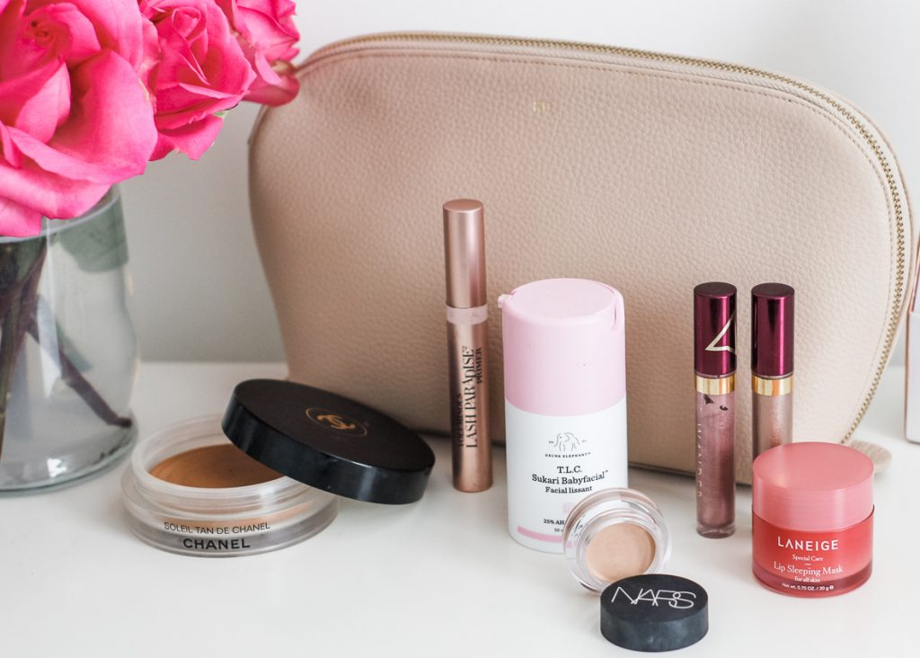 My Top 16 Best Beauty Products of 2018   I am sharing my personal favorite beauty products from 2018 on the blog. This post includes a bit of everything from drugstore makeup, to skincare products and non toxic products to fit every every budget. #bestof2018 #bestofbeauty #drugstoremakeup #beautyfavorites #cleanbeauty