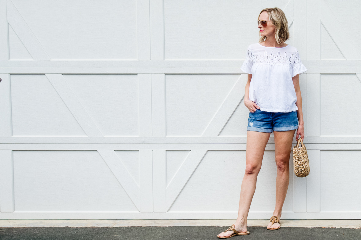 THE PERFECT WHITE SUMMER TEE