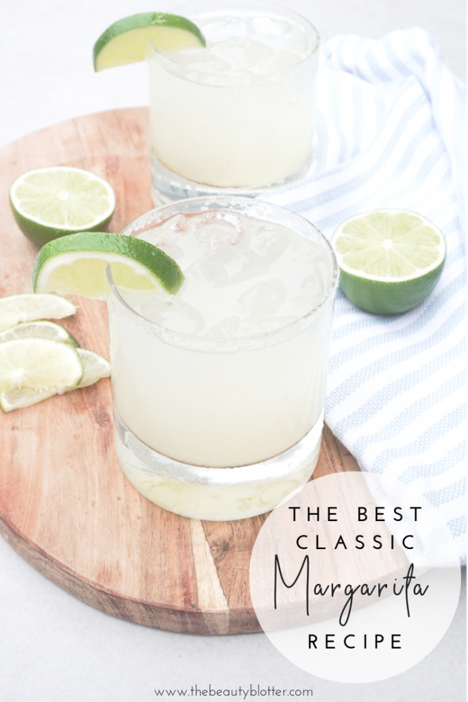 THE BEST CLASSIC MARGARITA RECIPE | This is the best, classic margarita recipe made with fresh lime juice, fresh orange juice and a bit of lime zest for the perfect Cinco de Mayo cocktail. Cheers! #cocktailtime #cocktailhour #happyhour #cincodemaya #classicmargarita #skinnymargarita
