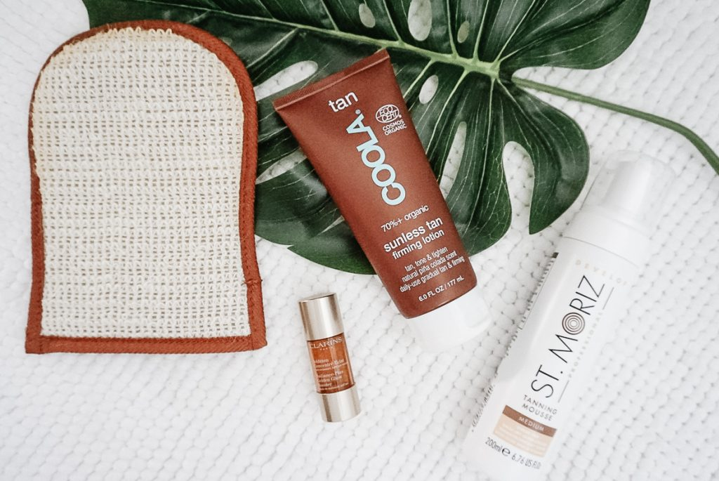 THE BEST SELF TANNERS AND HOW TO APPLY THEM   I am sharing my best tips and tricks for an even self tanner application, including the hard to reach areas.