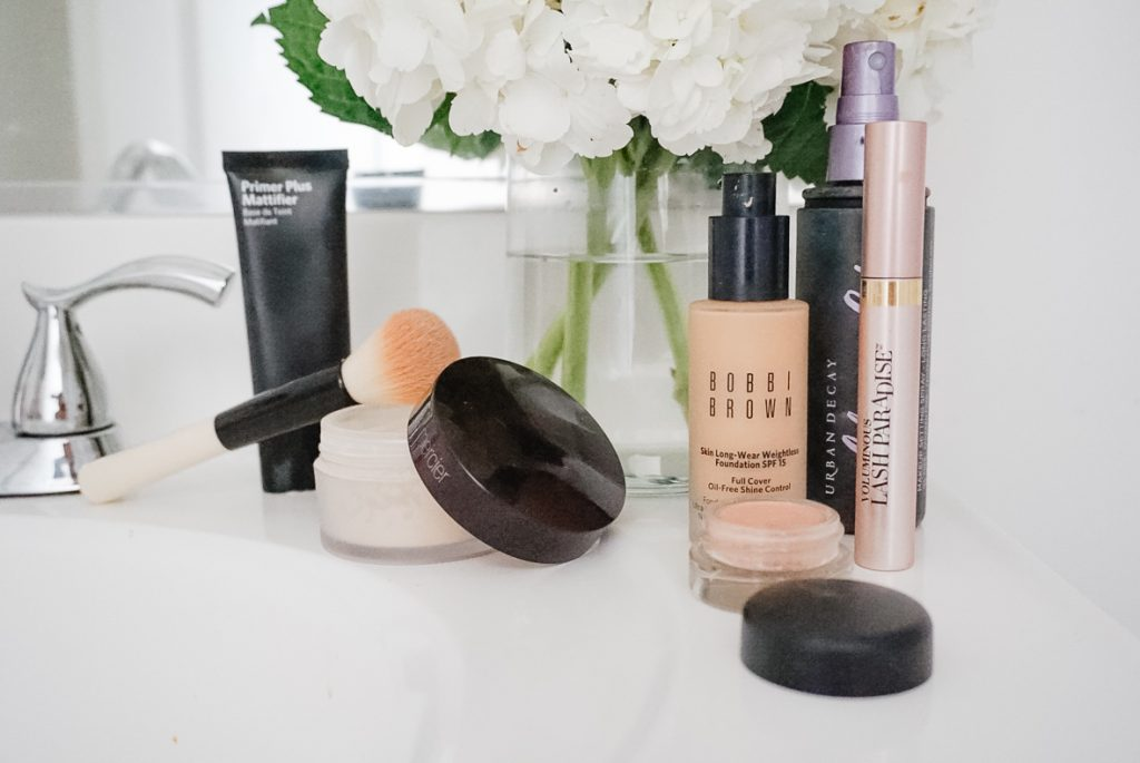 HOW TO MAKE YOUR MAKEUP LAST ALL DAY |  I am sharing my best tips & product recommendations for how to make your makeup last all day. I chat about the best products  and tips to make your makeup last for oily skin. Get the details and product recommendations here: