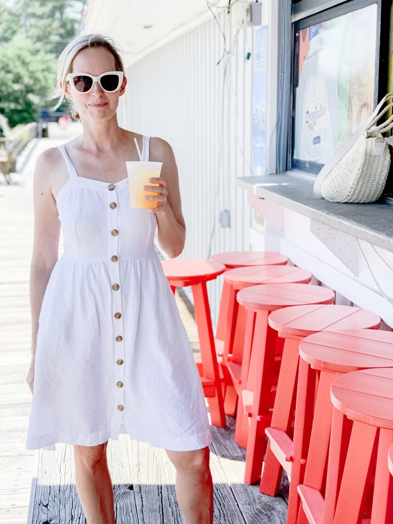 EASY BREEZY SUMMER STYLE | I am sharing one of my favorite easy breezy summer style dresses, as well as the perfect comfortable strapless bra to get you through summer.