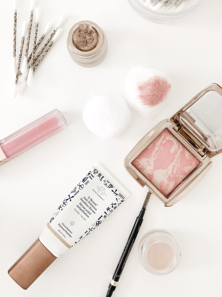 MY TOP 8 TRAVEL BEAUTY HACKS | I am sharing my top 8 travel beauty hacks on the blog today, including my best trick for eliminating bulky bottles and my favorite travel makeup hacks.