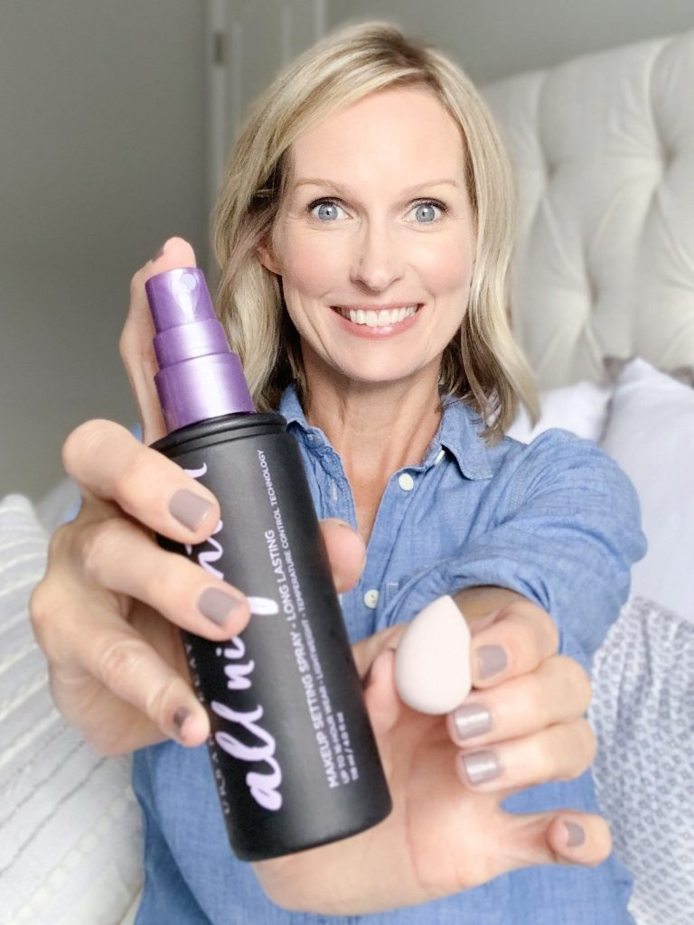 5 WAYS TO USE MAKEUP SETTING SPRAY   Does your eyeliner smudge, or do you have problems with your concealer creasing under your eye? I am sharing 5 ways to use makeup setting spray on the bog today, including my best beauty hacks & makeup secrets for fixing some common makeup mishaps.