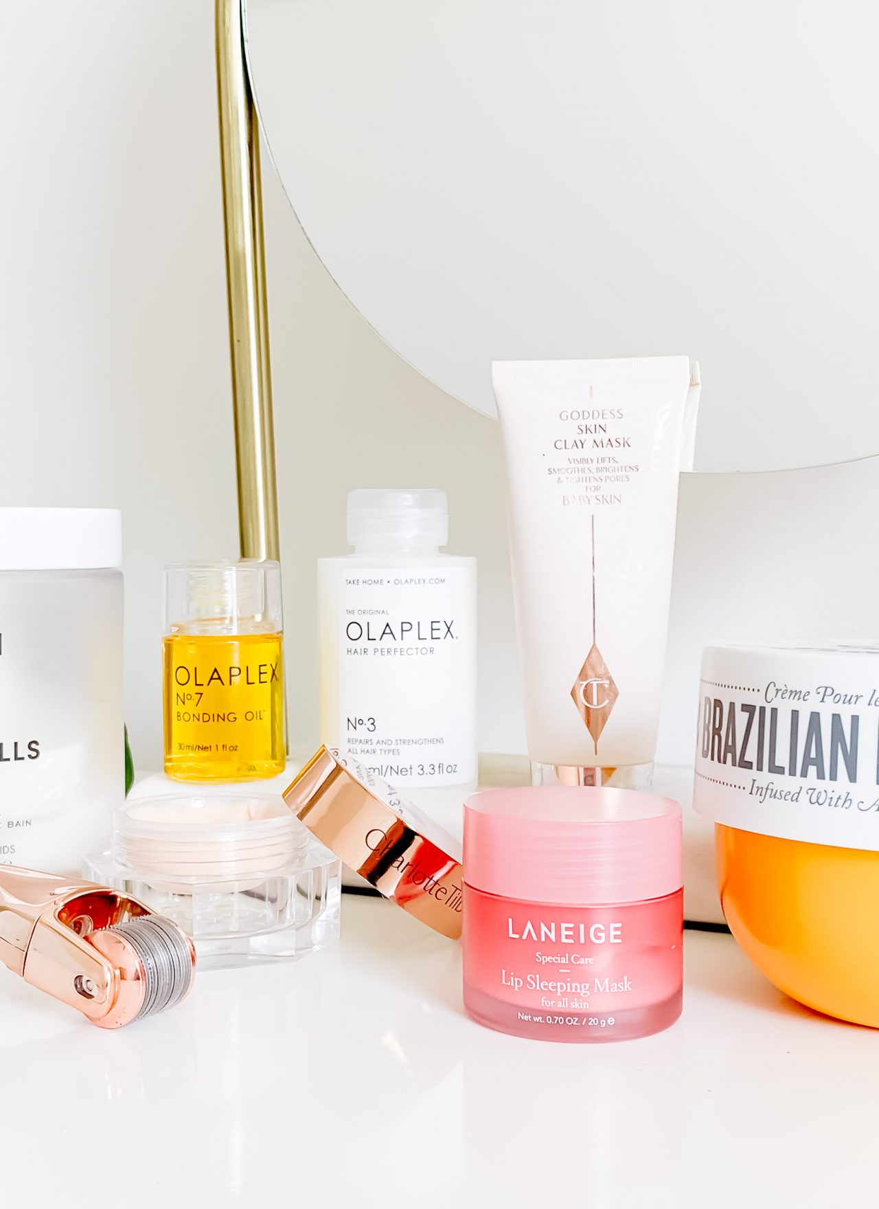 MY FAVORITE SELF CARE BEAUTY PRODUCTS FROM SEPHORA | I am sharing my favorite self care products from Sephora on the blog today, just in time for their Spring sale. It includes my favorite skincare, hair and body selfcare products. Take care of yourself during this time. #selfcare