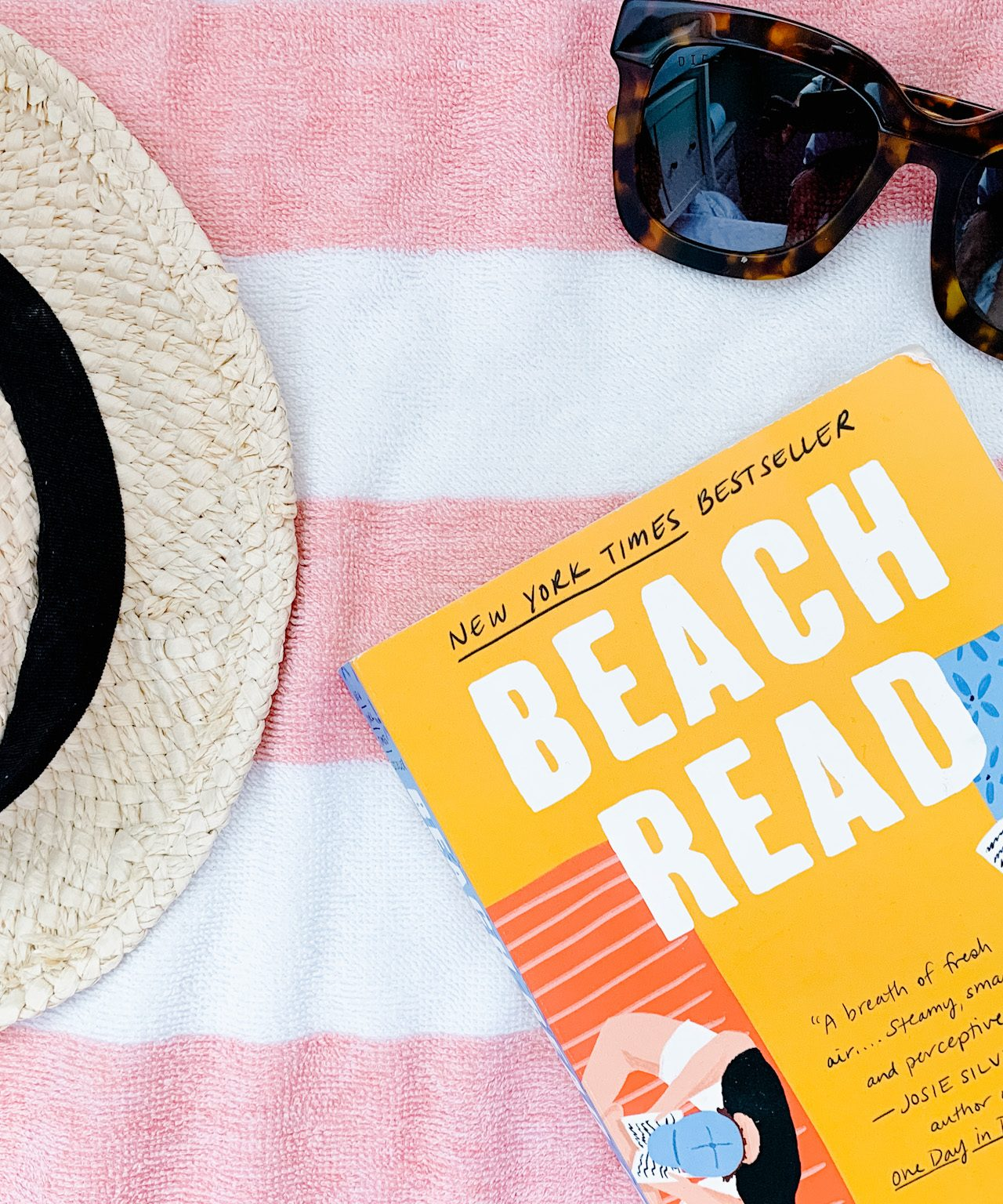 SUMMER READING LIST 2020 | I am sharing my summer reading list 2020, including some fun and fluffy beach reads as well as some murder mysteries. Enjoy!